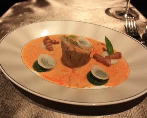 Main Dish Duck with Red Curry Green Leaf Winter Cabbage and Smoked Sausage 495x400 - Resto Juara